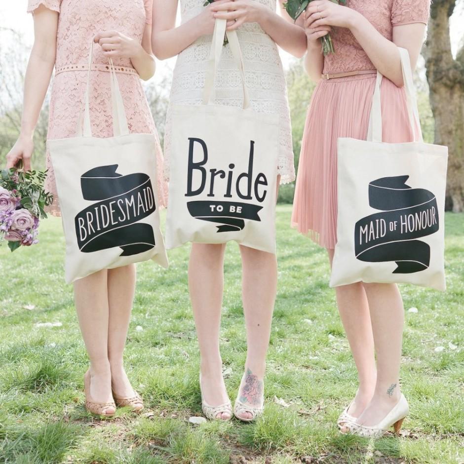 Matrimonio: donne e dress code