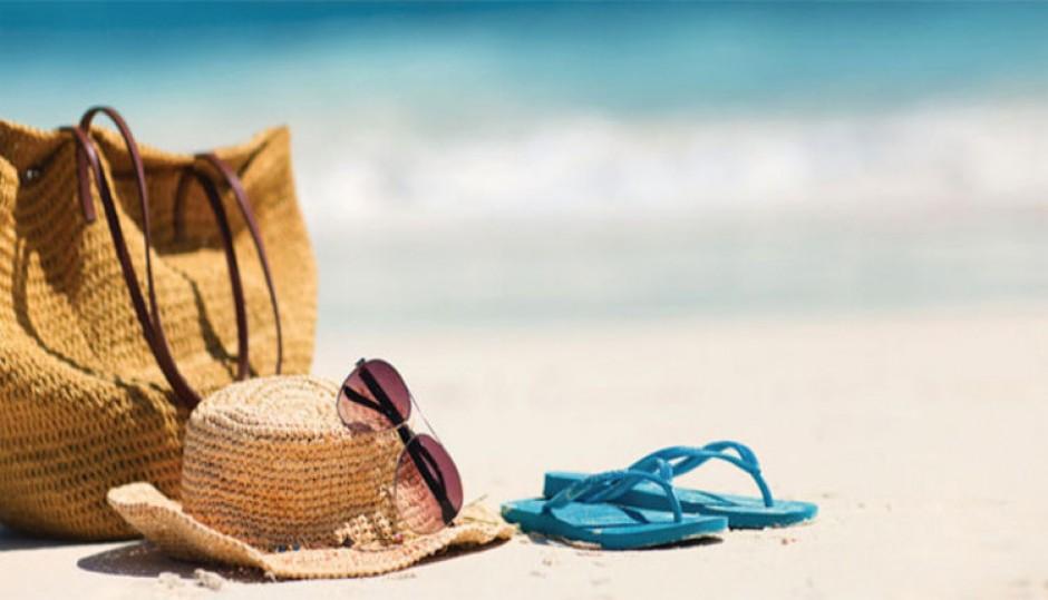 5 accessori che non potranno più mancare nella vostra borsa per il mare