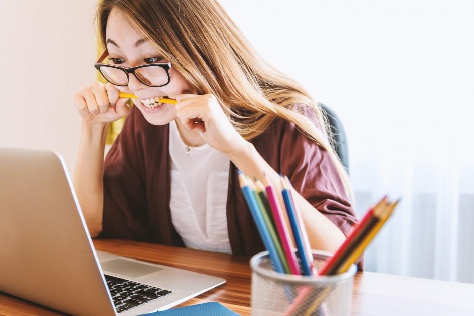 Università e metodo di studio: i 5 vantaggi dei dispositivi digitali.