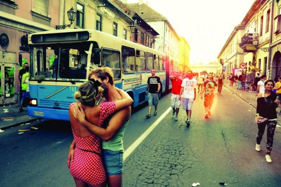 Viaggi per innamorati: le 4 vie del bacio nel mondo