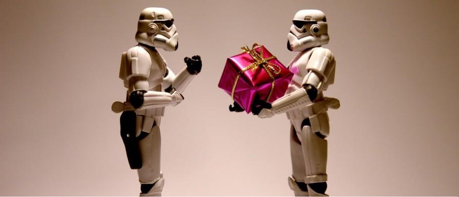 Feste di laurea e di compleanno: i 10 regali che nessuno vorrebbe ricevere